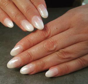 D-Artnail Bar manicure.