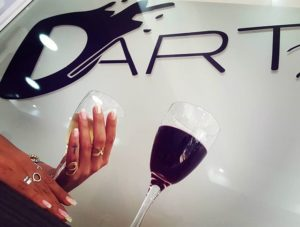 D-art Nail Bar manicure